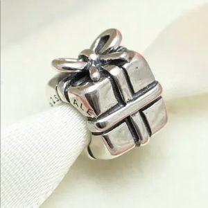 Pandora Jewelry - 790300 Retired Pandora Silver Gift Present bead